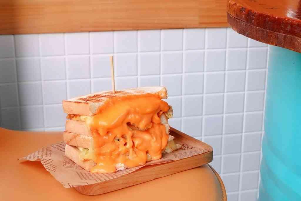 【三峽早餐】富士商號:用五倍起司沙瀑土石流喚醒早晨。 @女子的休假計劃