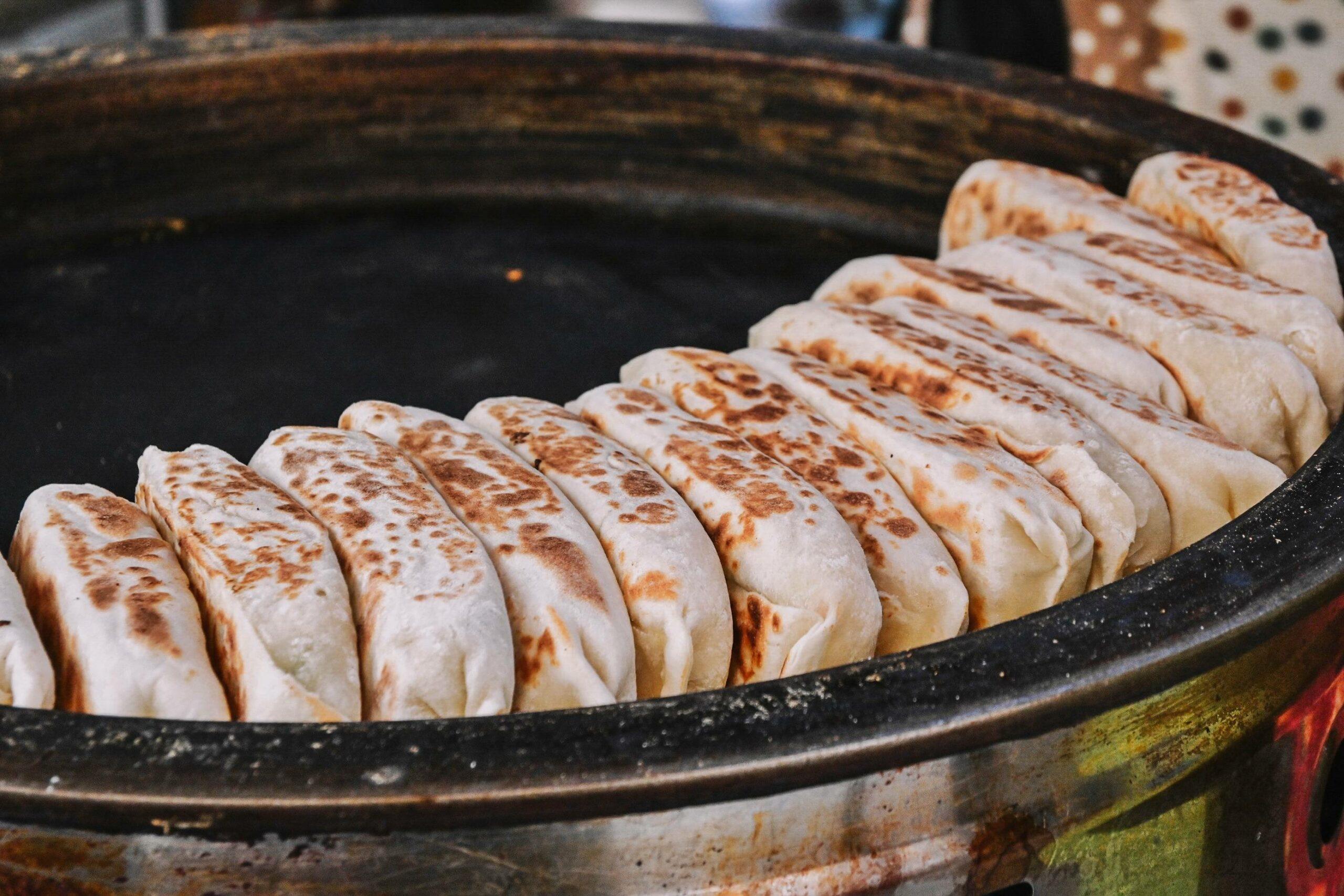 周家豆腐捲、韭菜盒、牛肉捲餅,光復市場在地人推薦巷弄銅板美食【台北世貿美食】 @女子的休假計劃