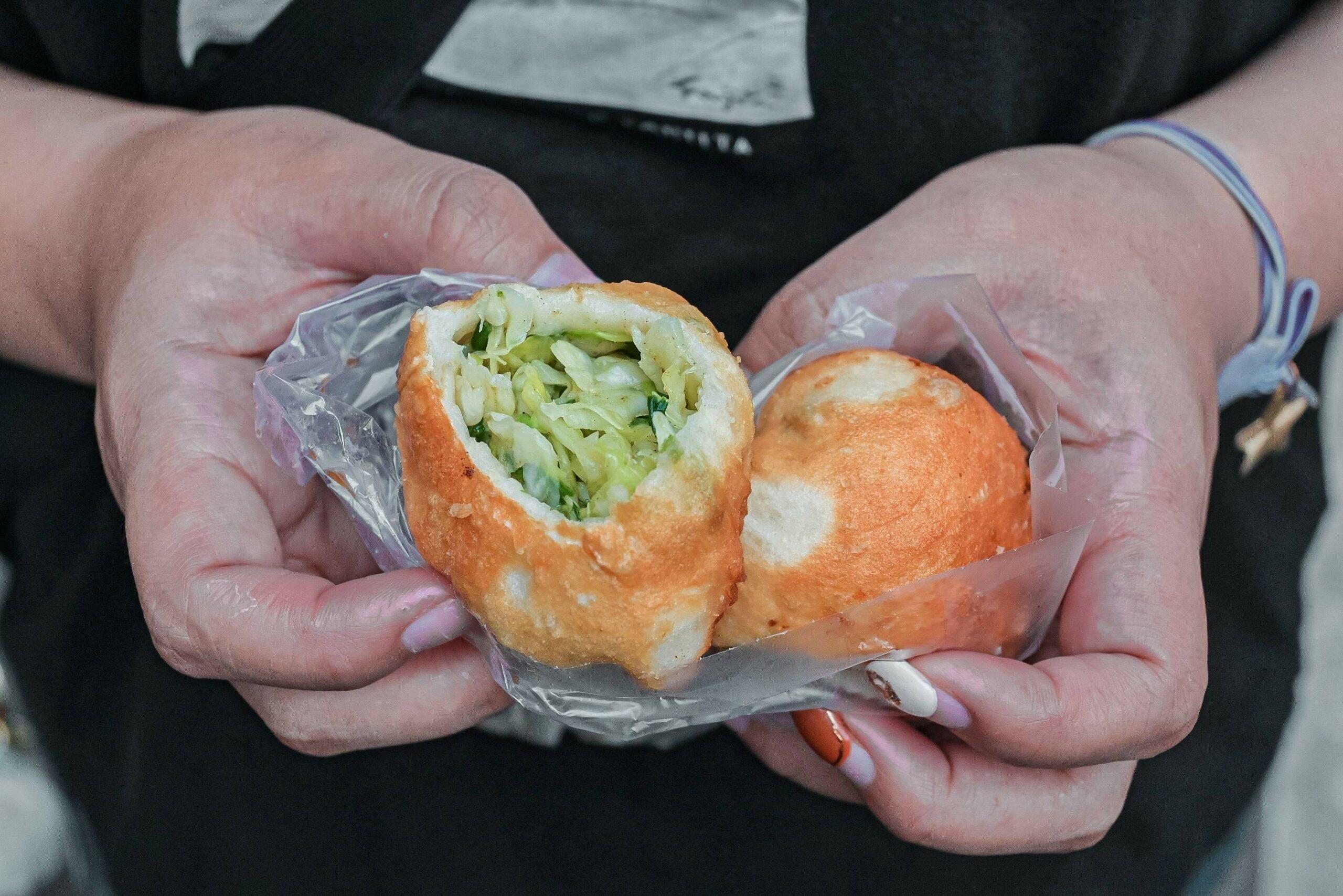 三重集美街煎包‧小籠包,一顆6元,排隊人氣小吃/台北銅板美食 @女子的休假計劃