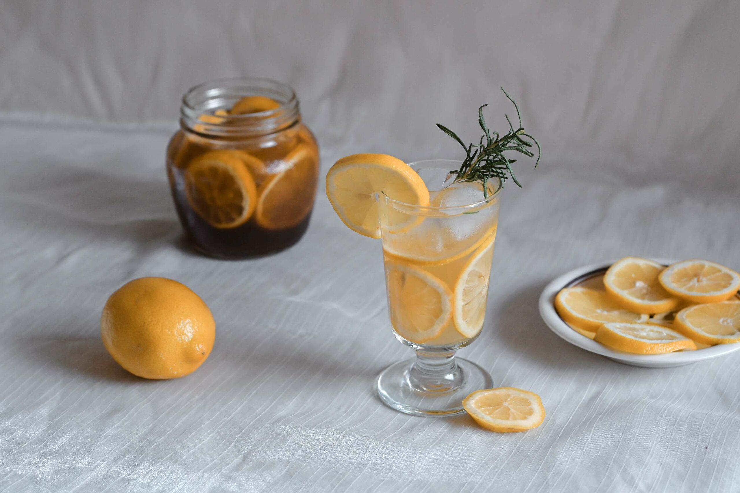 超夯飲料蜂蜜檸檬水,超簡單三步驟就完成,消暑又健康/檸檬飲料食譜 @女子的休假計劃