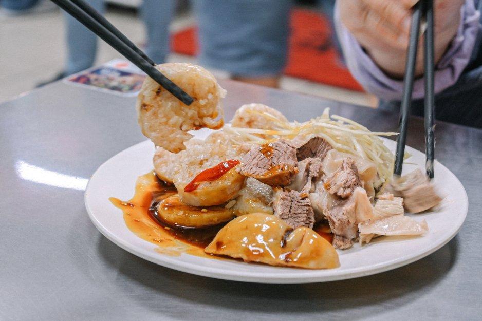 基隆孝三路大腸圈:基隆必吃在地美食大腸圈與黑白切,巷弄美食古早好滋味(菜單) @女子的休假計劃