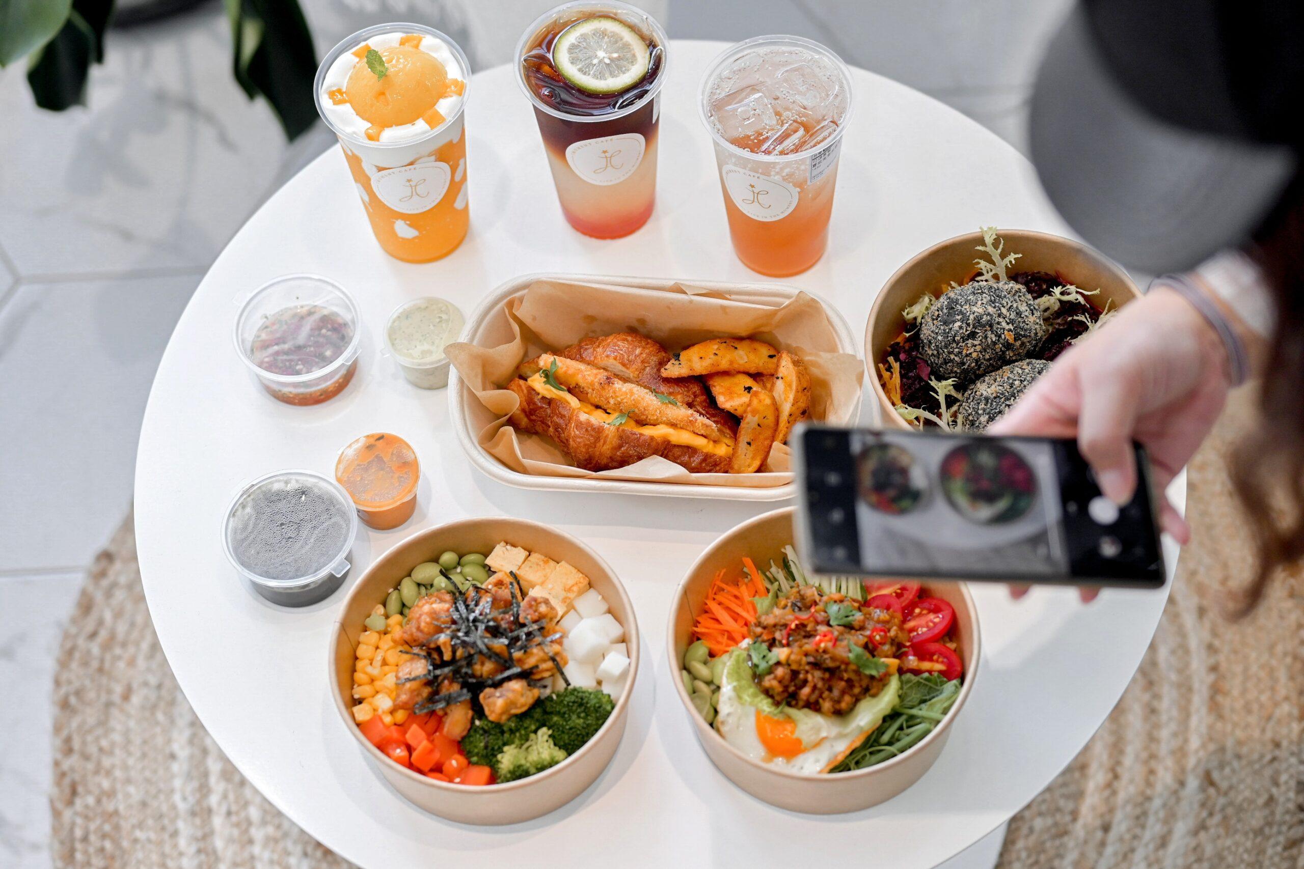 天母外帶美食享當下 IMOMENT CAFÉ :純白時尚空間一秒來到國外,天母仙氣咖啡廳 /台北低碳飲食/菜單 @女子的休假計劃