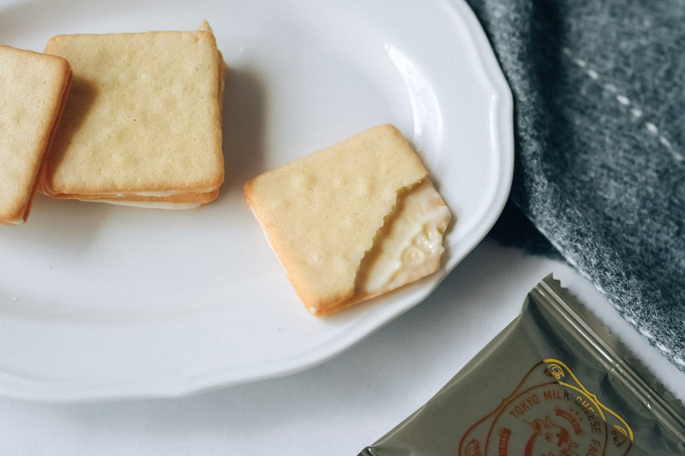 東京牛奶起司工房:10周年限定紀念松露口味起司餅乾,不容錯過吃完會哞哞叫 /東京必買伴手禮 /中秋伴手禮推薦 @女子的休假計劃