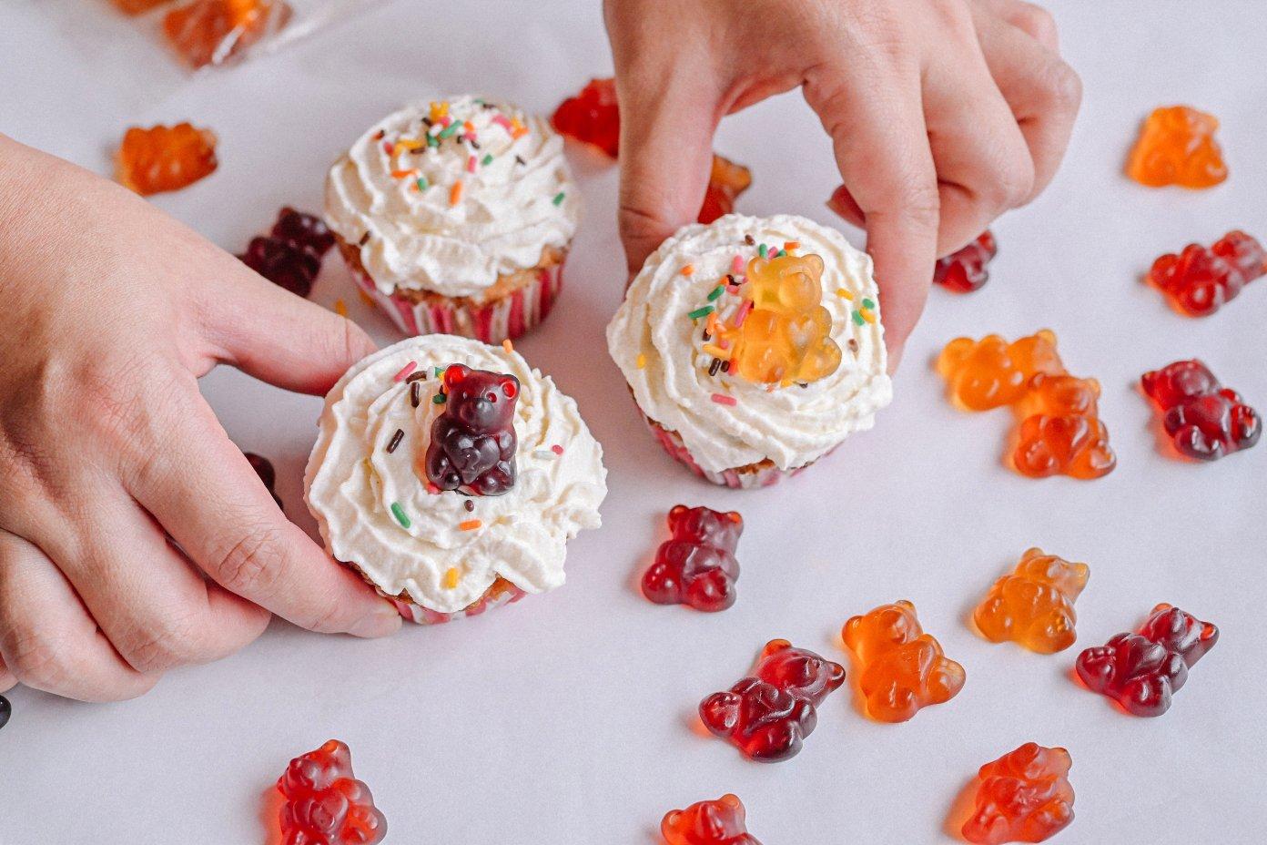 【軟糖推薦】德國甜心熊軟糖naschlabor:果汁含量40%,手抱愛心小熊超卡哇伊,還可以動手DIY果凍蛋糕餅乾食譜! @女子的休假計劃