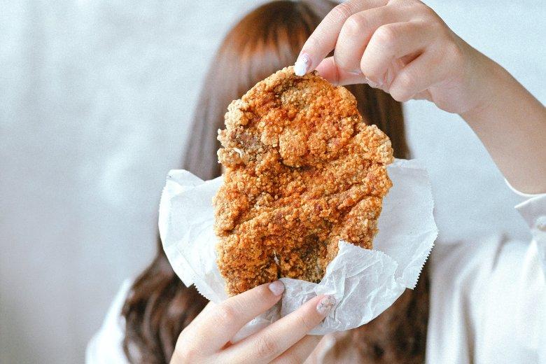 熊掌香雞排:當家扛壩子比臉大香雞排,還可問事每天贈一名有緣人!台中美食 @女子的休假計劃