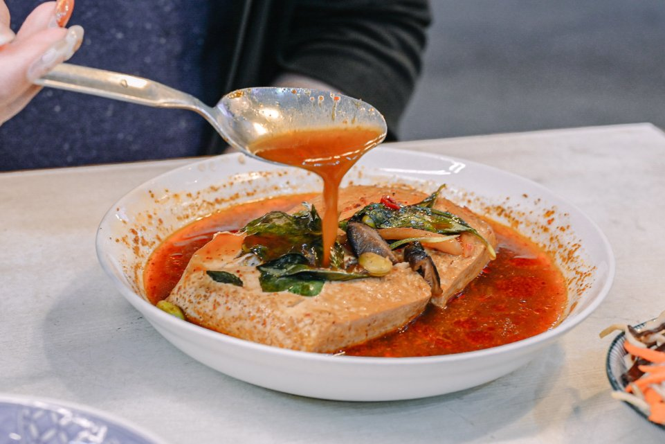 臭老闆現蒸臭豆腐:南機場夜市米其林必比登推薦/素食 @女子的休假計劃