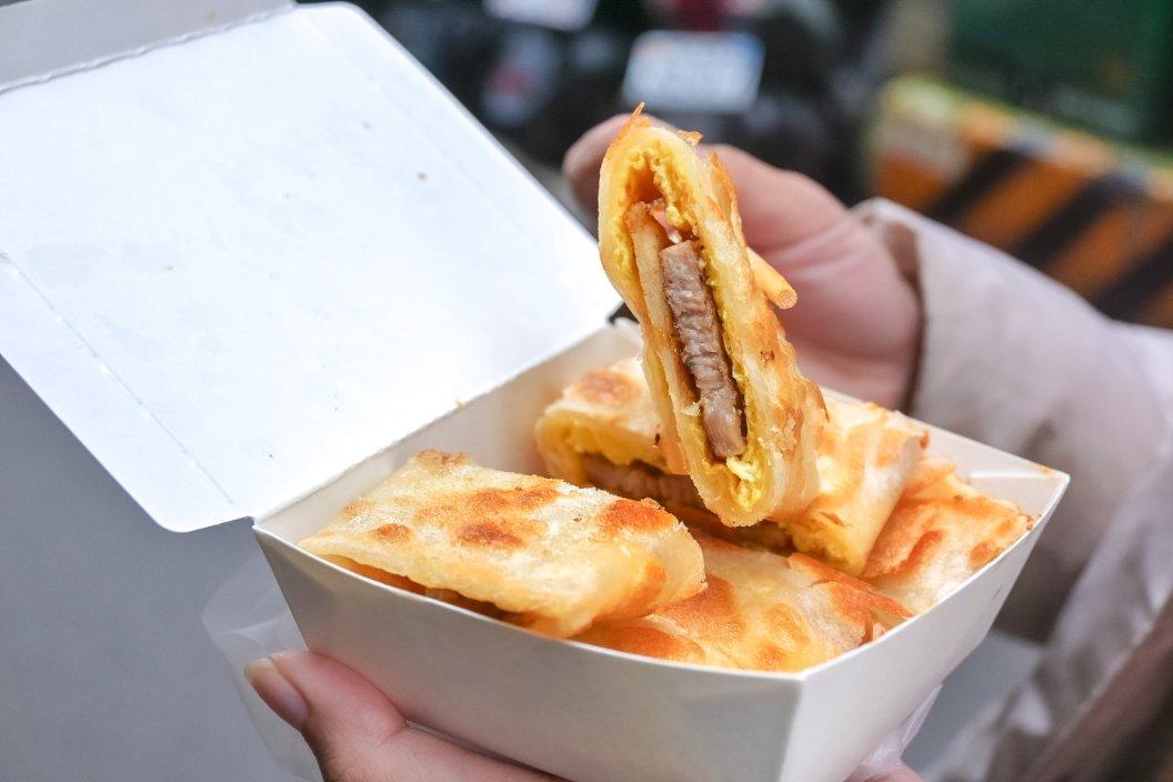 啖餅坊:土城人氣手工蛋餅專賣店,必加小魚乾辣椒醬/土城早餐蛋餅推薦 @女子的休假計劃