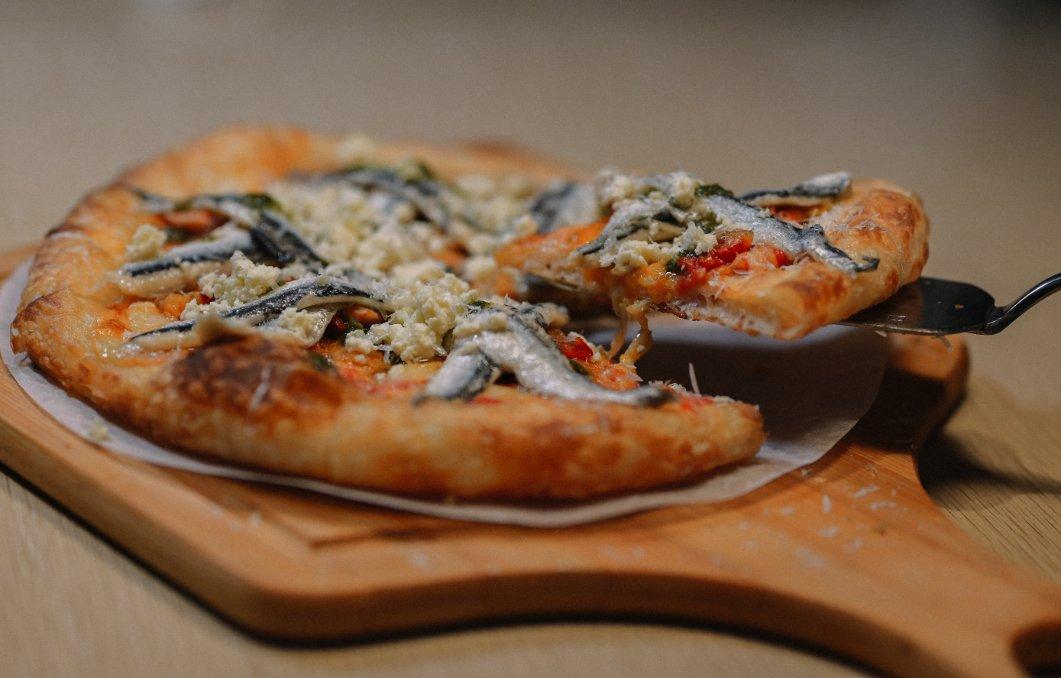 Milano Pizzeria義大利米蘭手工窯烤披薩,全台最好吃的披薩PIZZA、炸雞,新品西西里Cannoli香酥奶酪卷也很吸睛/外帶美食/松江南京站 @女子的休假計劃