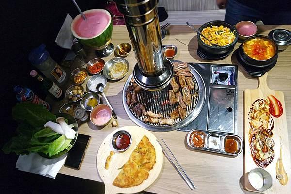 【台北.忠孝敦化站】台韓民國 韓式燒肉| 東區最夯的韓式燒肉好吃又有創意,必點西瓜燒酒 @女子的休假計劃