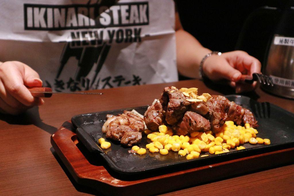 【台北南港】IKINARI STEAK台灣一號店:日本超人氣立食牛排店 @女子的休假計劃