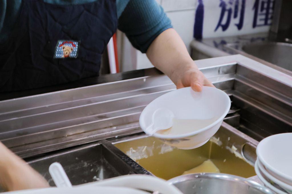 【淡水美食】淡水滬尾豆花店:在地古早味回憶 /食尚玩家 @女子的休假計劃