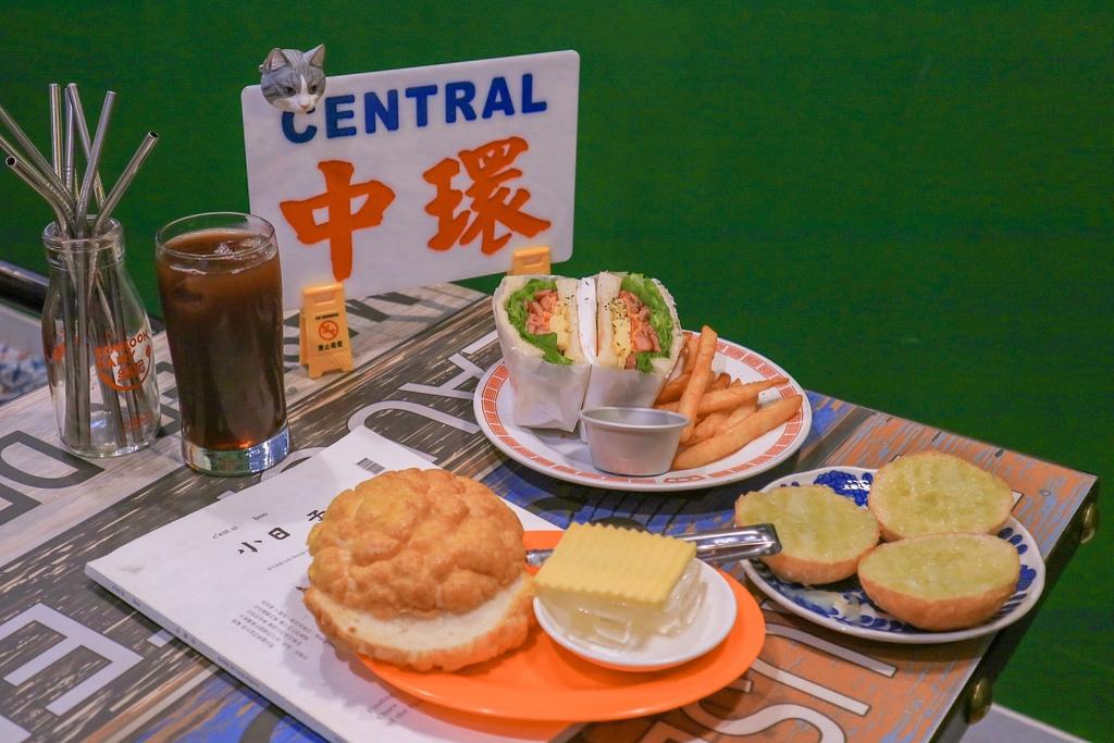 浪人情歌:走進偽出國香港茶餐廳,一路從早餐吃到晚餐 /江子翠 @女子的休假計劃
