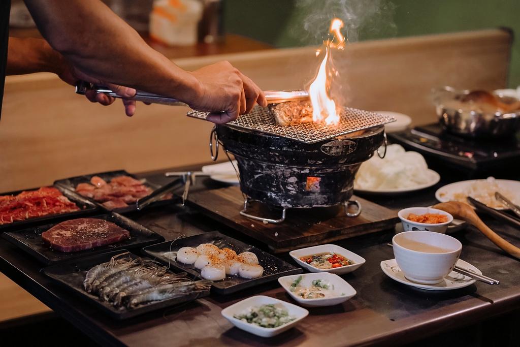 【新北吃到飽】狠生氣日式燒肉:哈根達斯、燒肉吃到飽,再免費加送薑母鴨火鍋 /永和吃到飽 @女子的休假計劃